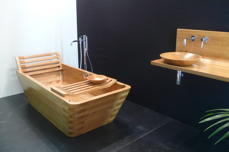 baignoire en bois par eric benqu pour image sur la biennale de saint etienne yook. Black Bedroom Furniture Sets. Home Design Ideas