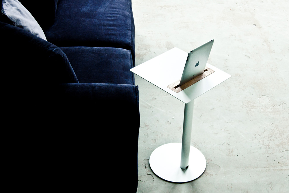 Nomad table d appoint pour tablette tactile yook for Table haute d appoint