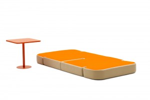 Sweet talk and dream - Mobilier modulable par Matali Crasset pour Campeggi - Milan 2012 // © Ezio Prandini