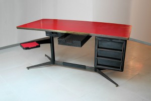 Design Miami - Bureau by Gio Ponti, 1955 // © Galleria Rossella Colombari