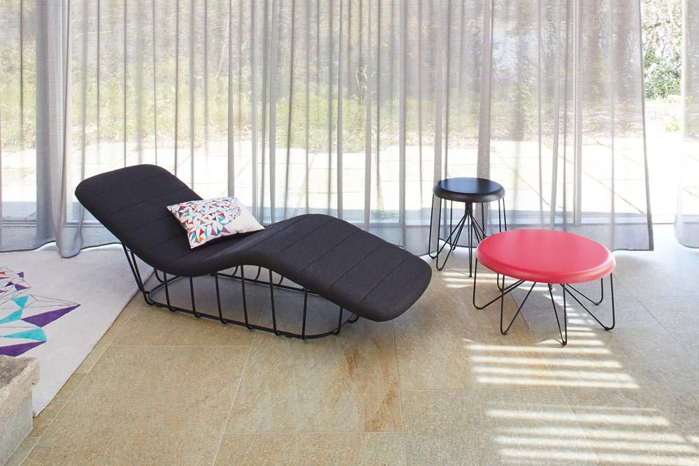 67a50e3f242e95 Gallery S.Bensimon x La Redoute - chaise longue et tables basses Dan Yeffet  ...