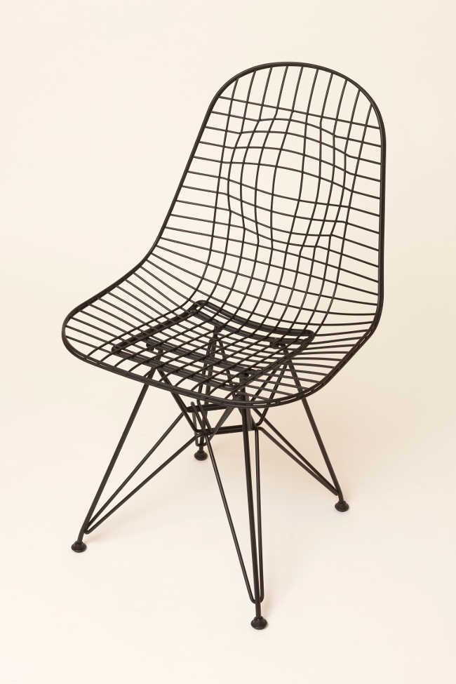 50 créateurs revisitent l'iconique Wire Chair de Charles et Ray Eames / Best in Design 2015 / Yookô